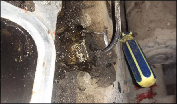 Замена датчика детонации автомобиля Мазда 3