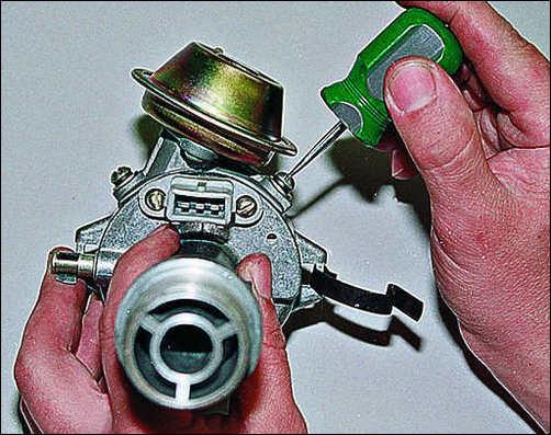 Снятие вакуумного корректора и колодки