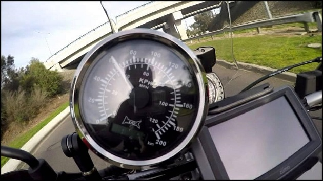 GPS спидометр на мотоцикле