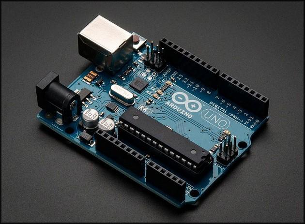 Микроконтроллер Arduino UNO