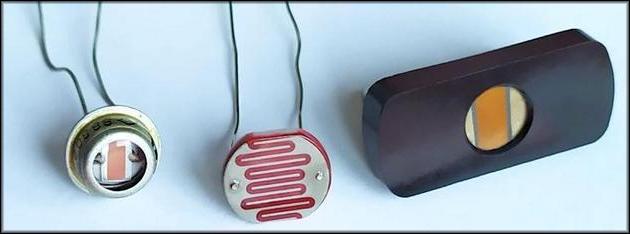 конструкции на специальном фоторезисторе
