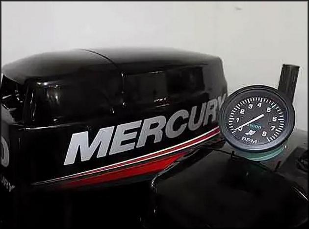 Мотор лодки Mercury