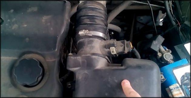 Демонтаж воздушный фильтр Ваз-2112