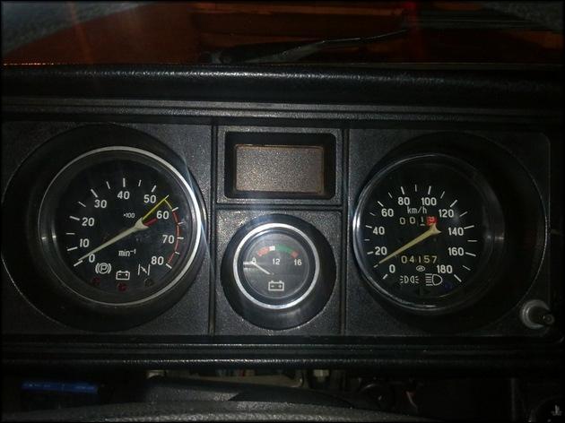 Внешний вид тахометр ВАЗ-2107