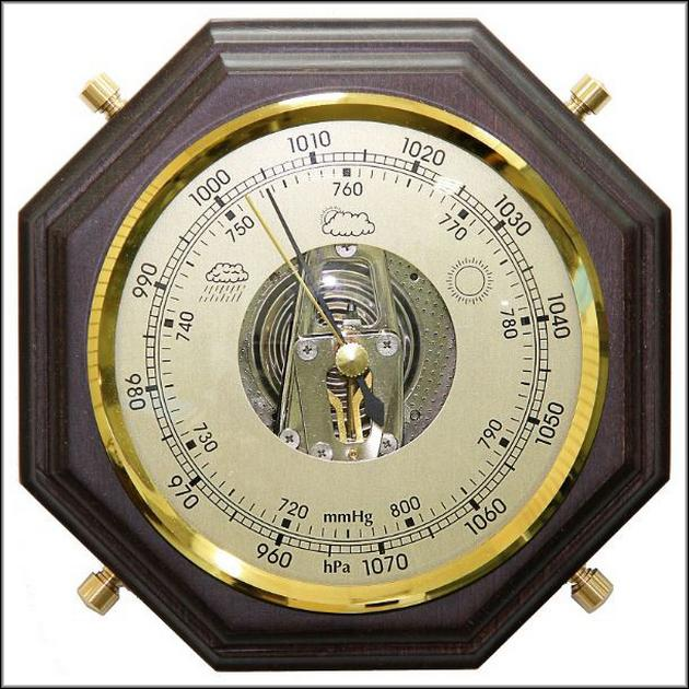 Стрелочный барометр