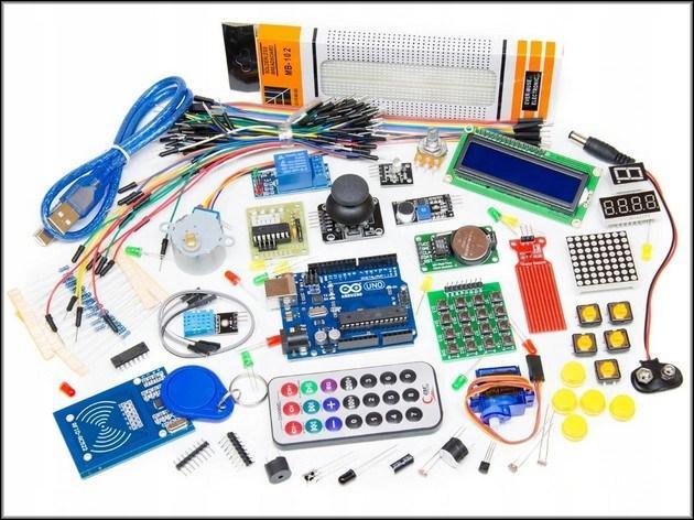 микроконтроллер Arduino Uno и некоторые дополнительные модули к нему