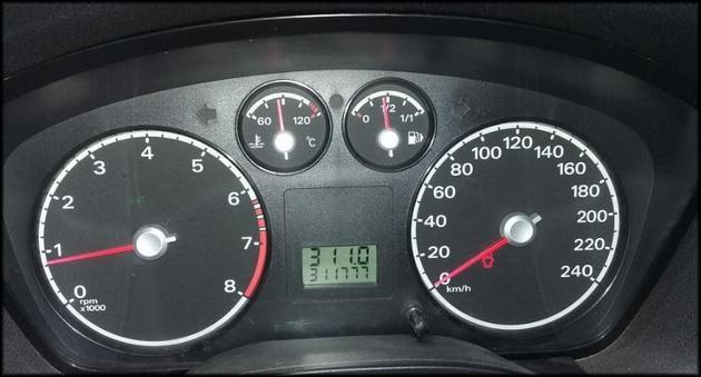 Приборная панель Форд Фокус 2
