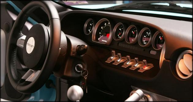 Приборная панель современного автомобиля