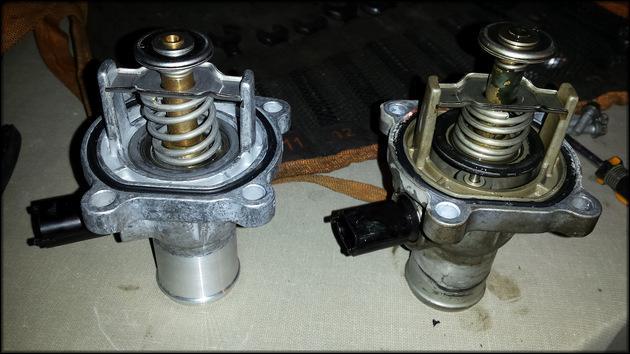 Неисправный и новый термостат Opel Astra