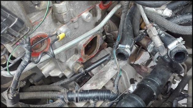 Демонтаж термостата и шпилек